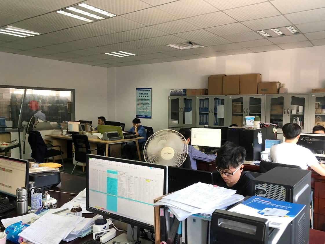 生产技术办公室内景.jpg